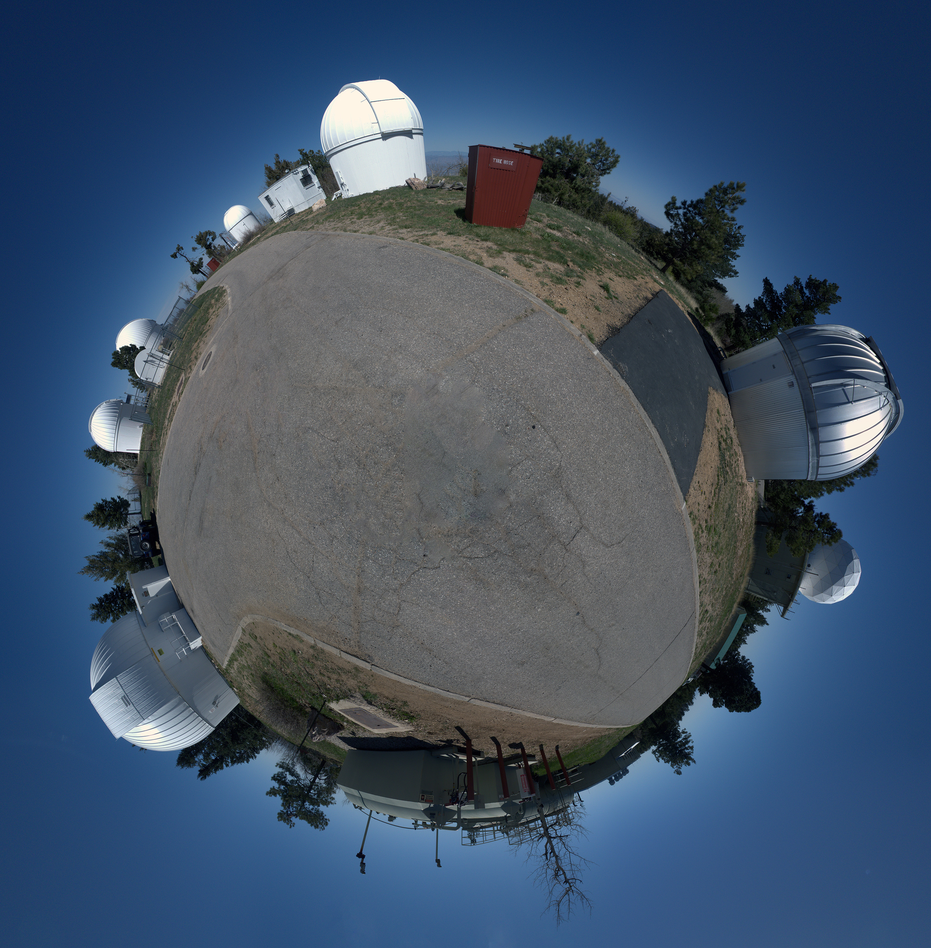 A photo of spherical_pano_skycenter._deyoe_3000